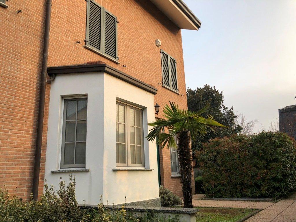 Villa a Schiera ad angolo
