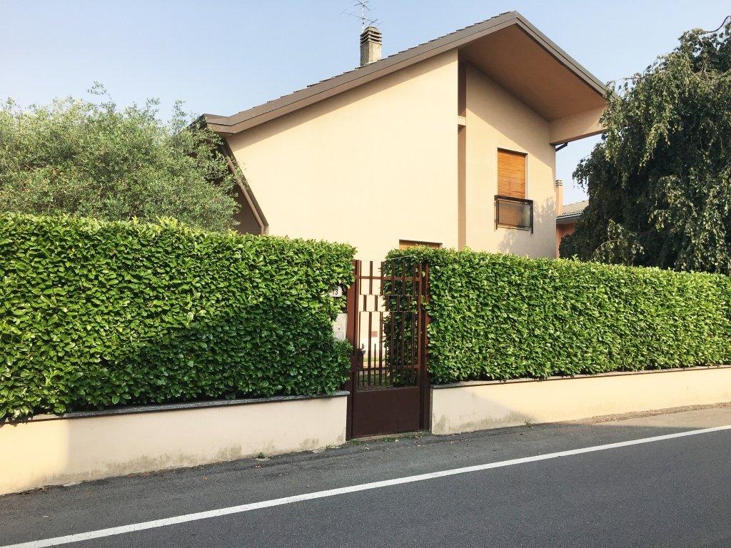 Villa in Contesto Residenziale